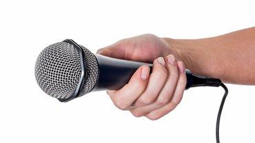 Umfrage Mitbestimmung Befragung Meinung Mikrofon